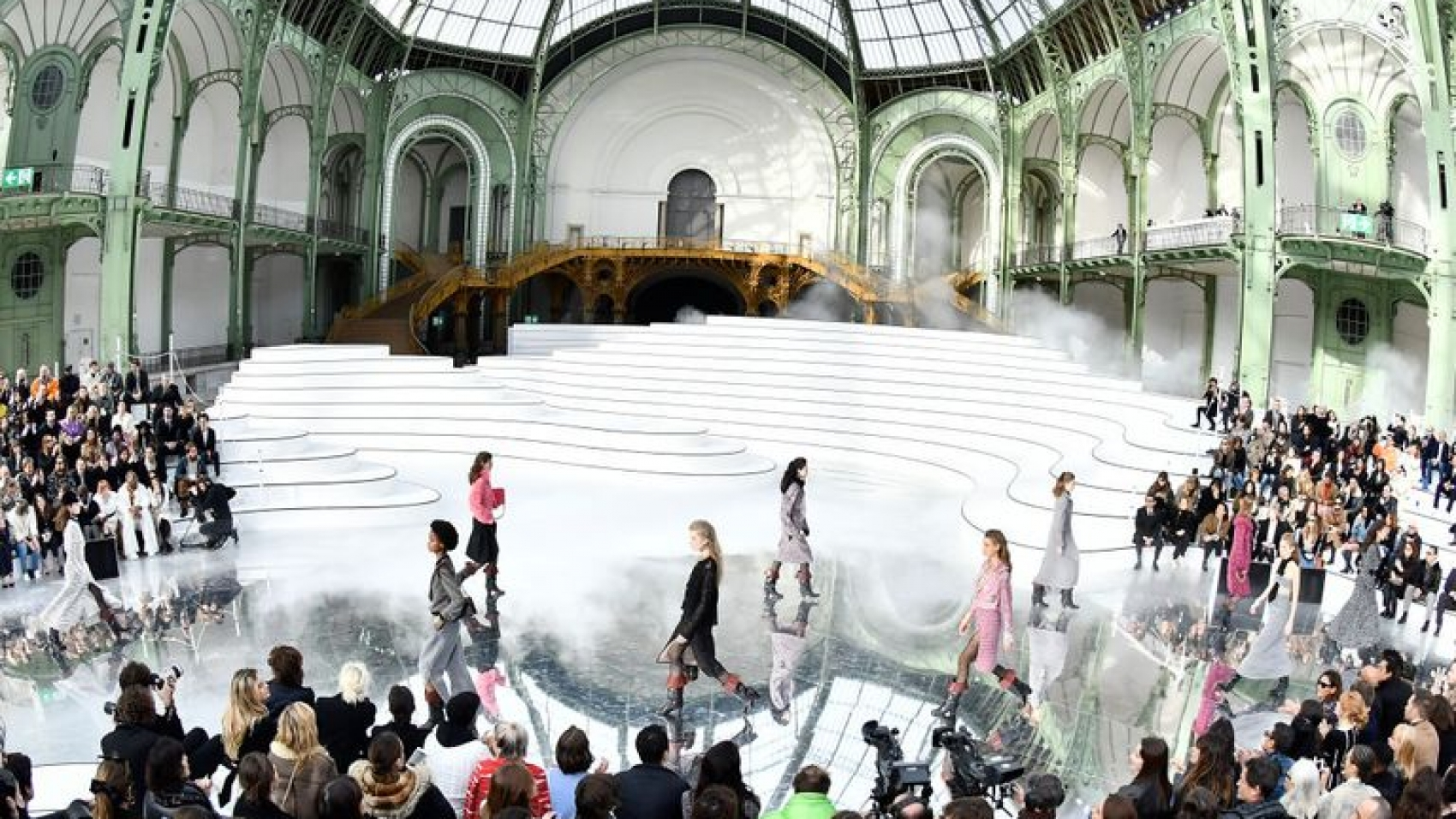 model-walks-the-runway-during-the-chanel-ready-to-wear-news-photo-1583251442